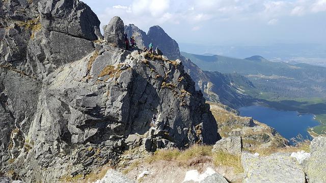 Na co powinniśmy zwrócić uwagę przed wakacjami w górach?